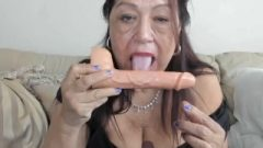 Seductive Mature Woman Tongue Fetish Exercise On A Peanut Butter Covered Sextoy