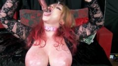 Double Vibrator Creamy Facefuck